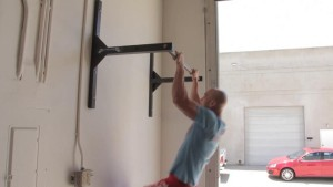 Pull Up Bar, Ceiling or Wall-Mounted Chin-up Bar?